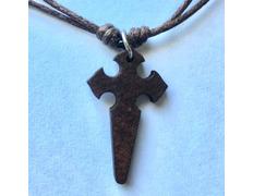Colgante con Cruz de Santiago Madera oscura