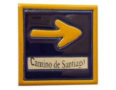 Imán cerámica flecha Camino de Santiago 7 x7 cm